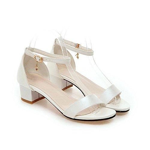 AgooLar Women's Pu Solid Buckle Open Toe Kitten Heels Sandals White U4baEa9Z