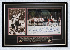 AJ-SportsWorld-TEAM99736A-1972-Summit-Series-Team-Canada-Victory-40-x-28-Frame-No72-16-Autographs
