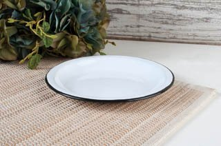 ENAMELWARE CANDLE PLATE