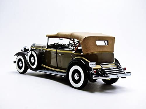 1933 Ford Lincoln KB Top Up Chicle Drab 1:18 Sun Star 6160