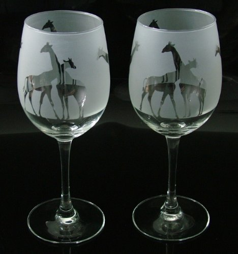 Giraffes gift wine glasses Glass in the forest