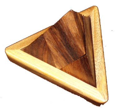 (Pyramid - 4 piece wood puzzle and brain teaser)