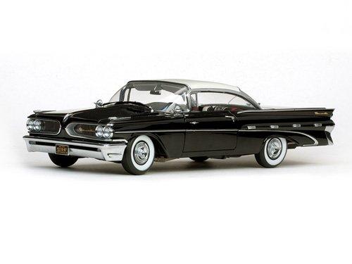 SunStar 1/18 Scale - 5174 1959 Pontiac Bonneville Hard top Cameo Ivory ()