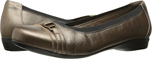 CLARKS Women's Kinzie Light Flat, Pewter Leather, 8 M US ()