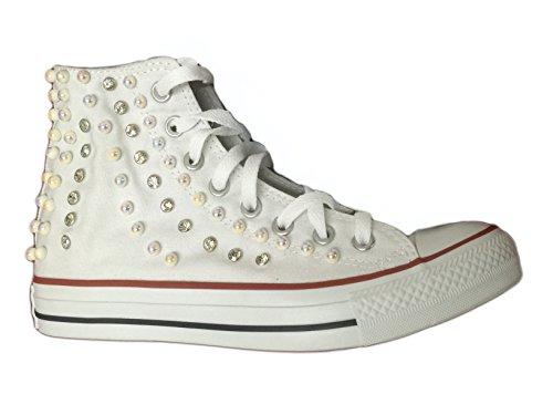 Converse all star HI (alta) personalizzate con perle e strass lato esterno con effeto cascata. Bianco