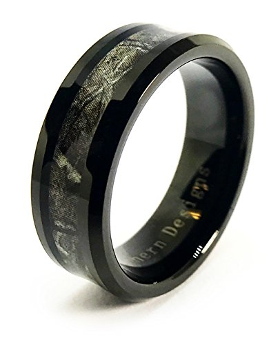 (Camouflage on Black 8mm Band Ring (Mens 10))