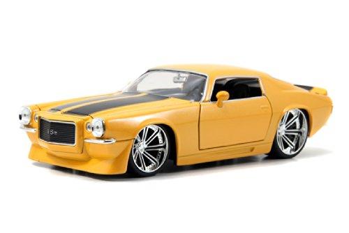 Jada 1971 Chevrolet Camaro SS 1/24 Scale Diecast Model Vehicle Yellow ()