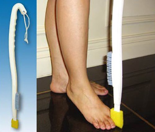 LONG HANDLED FOOT WASH + TOE WASH SPONGE - FOOT BRUSH - DISABILITY BATHING AIDS by Bayliss Mobility Shine International