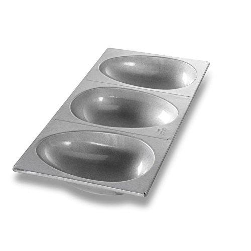Chicago Metallic 47695 Aluminized Steel Large 3-Egg-Shaped Cake (Egg Shaped Cake Pan)