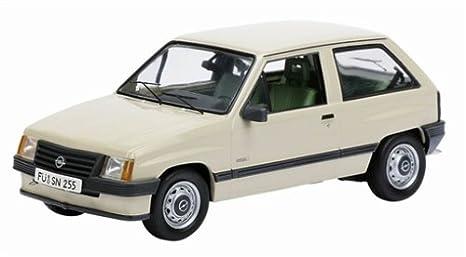 Schuco 03412 Classic 1:43 - Opel Corsa A pergamino,: Amazon.es: Juguetes y juegos