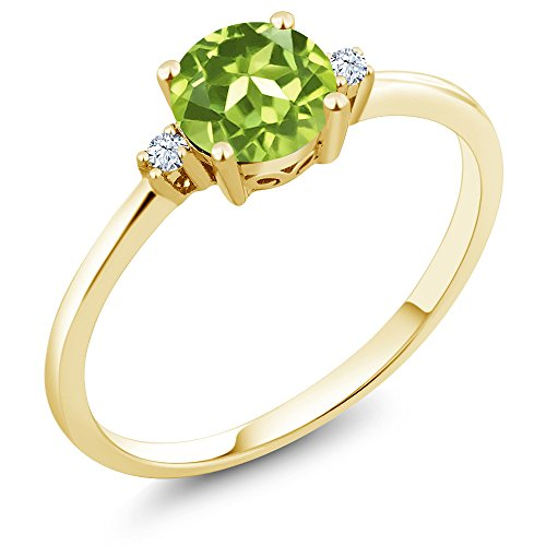 Gem Stone King 10K Yellow Gold Engagement Solitaire Ring set with 0.88 Ct Round Green Peridot and White Created Sapphires (Size 6)