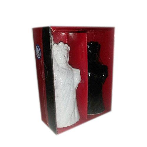 Statue of Liberty Black & White Salt & Pepper Shaker Set ()