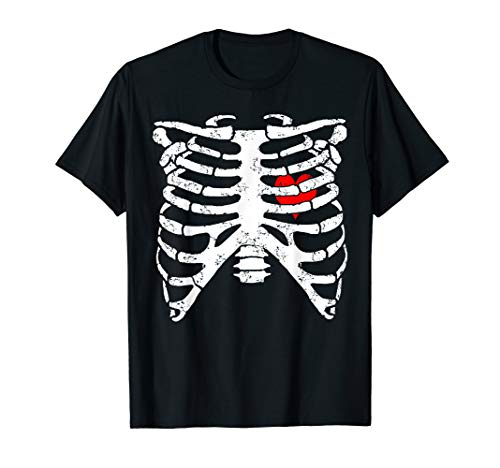 Skeleton Ribcage With Heart Funny Halloween Costume T-Shirt ()