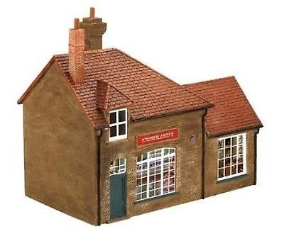 Hornby 00 Gauge R9767 The Street Andrew James Butcher Hornby Hobbies Ltd