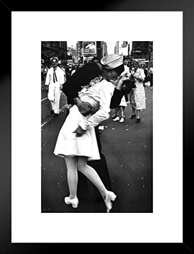 Poster Foundry Times Square The Kiss on VJ Day Photo Art Print Matted Framed Wall Art 20x26 inch