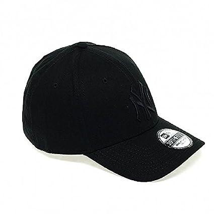 New Era Men s MLB Classic NY Yankees 39Thirty Cap  Amazon.ca  Clothing    Accessories 73b345f3b19