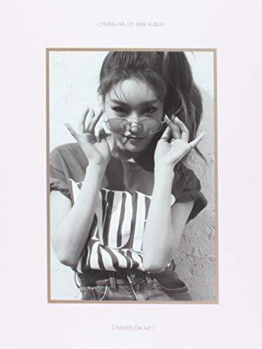 ChungHa - [Hands On Me] 1st Mini Album CD+Booklet+PhotoCard K-POP IOI 101 Sealed