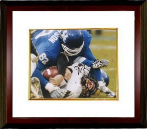 Athlon CTBL-MW132 Dewayne Robertson Signed Kentucky Wildcats 8 x 10 Photo Custom Framed -