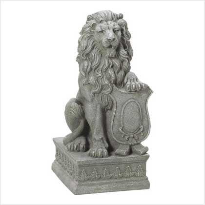 Amazon Com Taczotech Regal Lion Guardian Statue Home Garden Decor Garden Outdoor