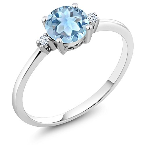 Gem Stone King 10K White Gold Engagement Solitaire Ring set with 0.78 Ct Round Sky Blue Aquamarine and White Created Sapphires (Size 6) (March Birthstone Promise Ring)