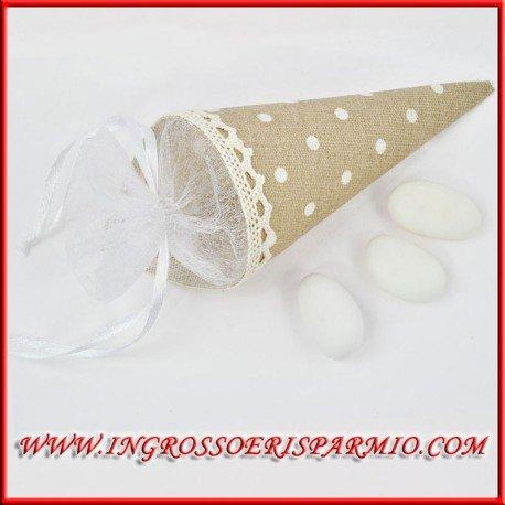 Conos de yute de color tierra con lunares blancos envueltos en tul blanco y cerrados con lazo, ideales para rellenar de confeti, pétalos, arroz o ...