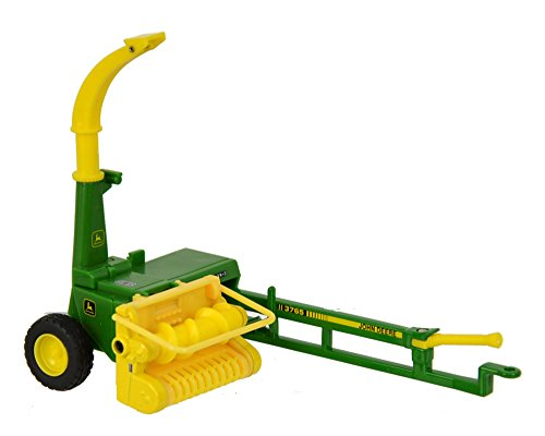 (Britains 1:32 John Deere Trailed Forage Harvester - Collectable Farm Toy Attachment - Compatible with All 1:32 Vehicles - Suitable from 3 Years)