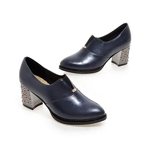 AllhqFashion Damen Eingelegt PU Leder Mittler Absatz Spitz Zehe Ziehen auf Pumps Schuhe Blau