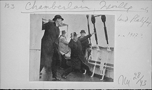 Crop photo of Arthur Neville Chamberlain with Edward Frederick Lindley Wood, 1st Earl of Halifax on the ship, 1937.