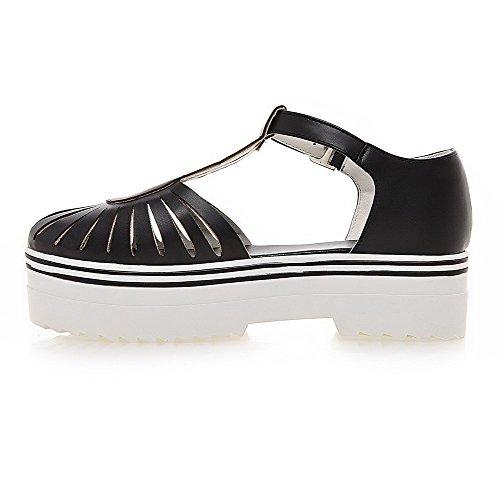 AllhqFashion Women's Buckle Closed Toe Kitten Heels PU Solid Sandals Black CdMxmeY3N