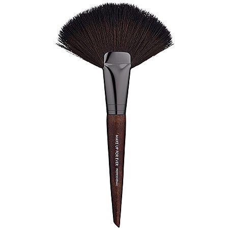 MAKE UP FOR EVER 134 Large Powder Fan Brush by Make Up For Ever