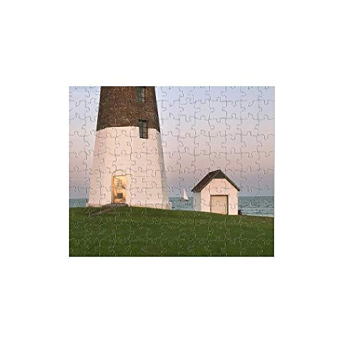 252 Piece Puzzle of Rhode Island, USA. Point Judith Lighthouse at Dusk (8125545)