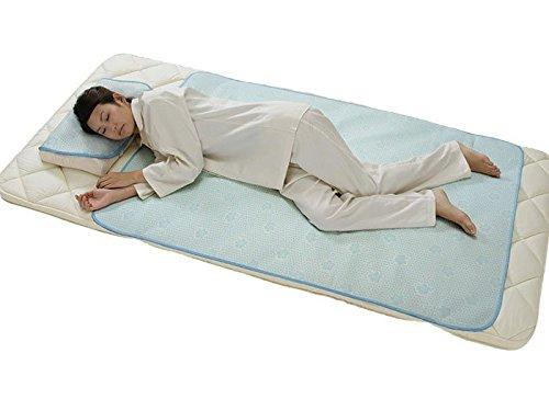 ひんやりさらさら、 身体の余分な熱が吸収(吸熱)され、心地よい寝心地感を! ダブルクール 冷感敷パッド (セミダブルサイズ) B01GJ6H4NO