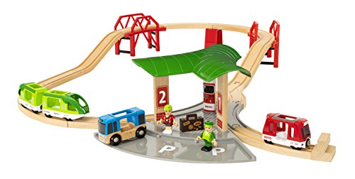 Brio World - 33627 Travel Station Set | 25 Piece Train Toy with Accessories and Wooden Tracks for Kids Ages 3 and Up