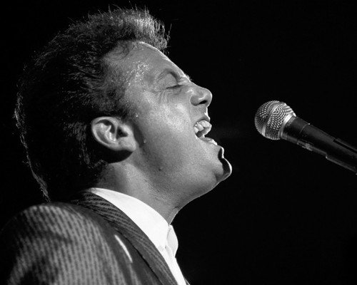 Music 8x10 Photo - Billy Joel iconic b/w singing in profile concert 8x10 Promotional Photograph