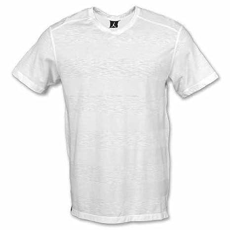 c4dddf574667 Nike Men s Jordan Classic Cut V-Neck T-Shirt White 414063-100  Amazon.ca   Sports   Outdoors