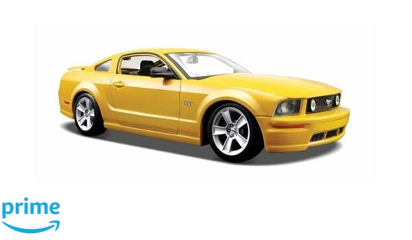 amazon com ford mustang gt coupe yellow 2006 model car ready rh amazon com