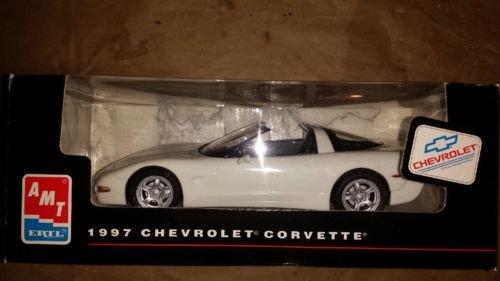 #8338 AMT/ Ertl 1997 Chevrolet Corvette, White 1/25 Scale Plastic Promo Model Car, Fully Assembled