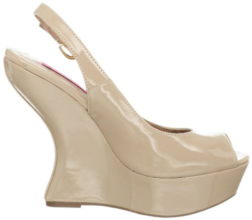 Betsey Johnson Womens Makenna Wedge Pump Blush Patent