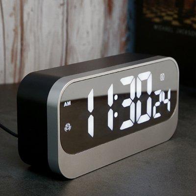 LTOOD Moda creativa simple reloj LED luz nocturna de cabecera salón mute reloj de sobremesa digital