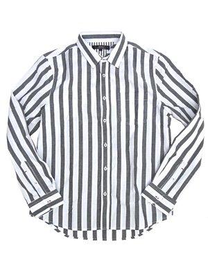 """一枚で好印象メンズに。爽やかコーデは""""ストライプシャツ""""だけ"""