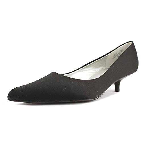 Chinese Laundry Women's Giggle Low Heeled Pump, Black, Size 5.0