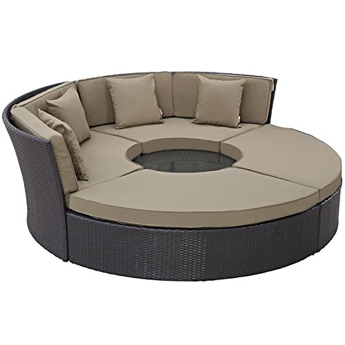 Hawthorne Collections 5 Piece Patio Daybed Set in Espresso and Mocha