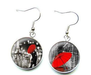 Parapluie rouge pour amoureux dans le parapluie boucles doreilles cabochons en verre bijou en verre d/ôme fait /à la main.