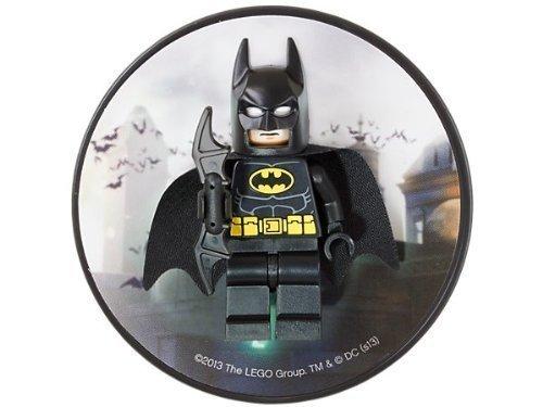 - LEGO DC Universe Super Heroes Batman Magnet