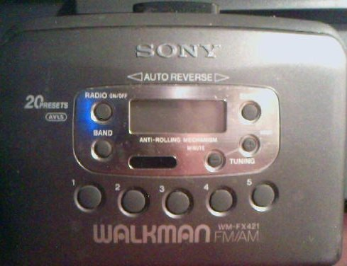 Sony Walkman FM/AM Cassette Player Radio WM-FX421 by Walkman