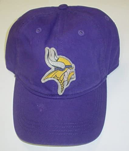 32459e28a8aab Amazon.com   Minnesota Vikings Slouch Old Orchard Beach Reebok HAT Ed74z    Sports Fan Baseball Caps   Sports   Outdoors