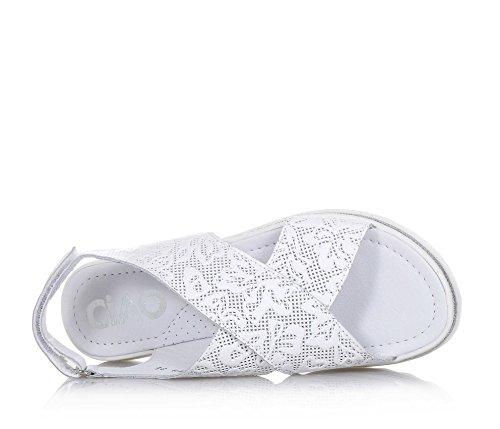 CIAO BIMBI - Sandale blanche en cuir ajouré, soignée dans tous ses détails, fille, filles, femme