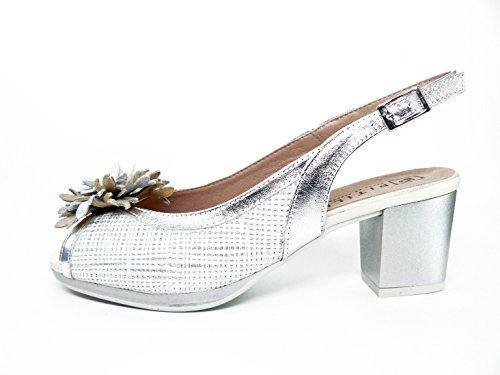 Sandalia mujer PITILLOS, piel blanco grabada combinado con metal plata y adorno flor - 1094 - 568 Beige