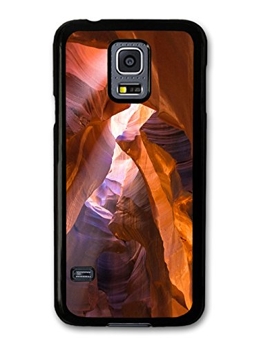 Impressive Caves With Sunlight In A Cool Style Design coque pour Samsung Galaxy S5 mini