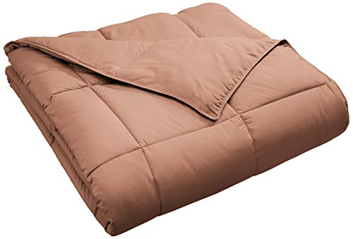 Superior Classic All-Season Down Alternative Comforter with with Baffle Box Construction, Twin, Camel (Renewed)